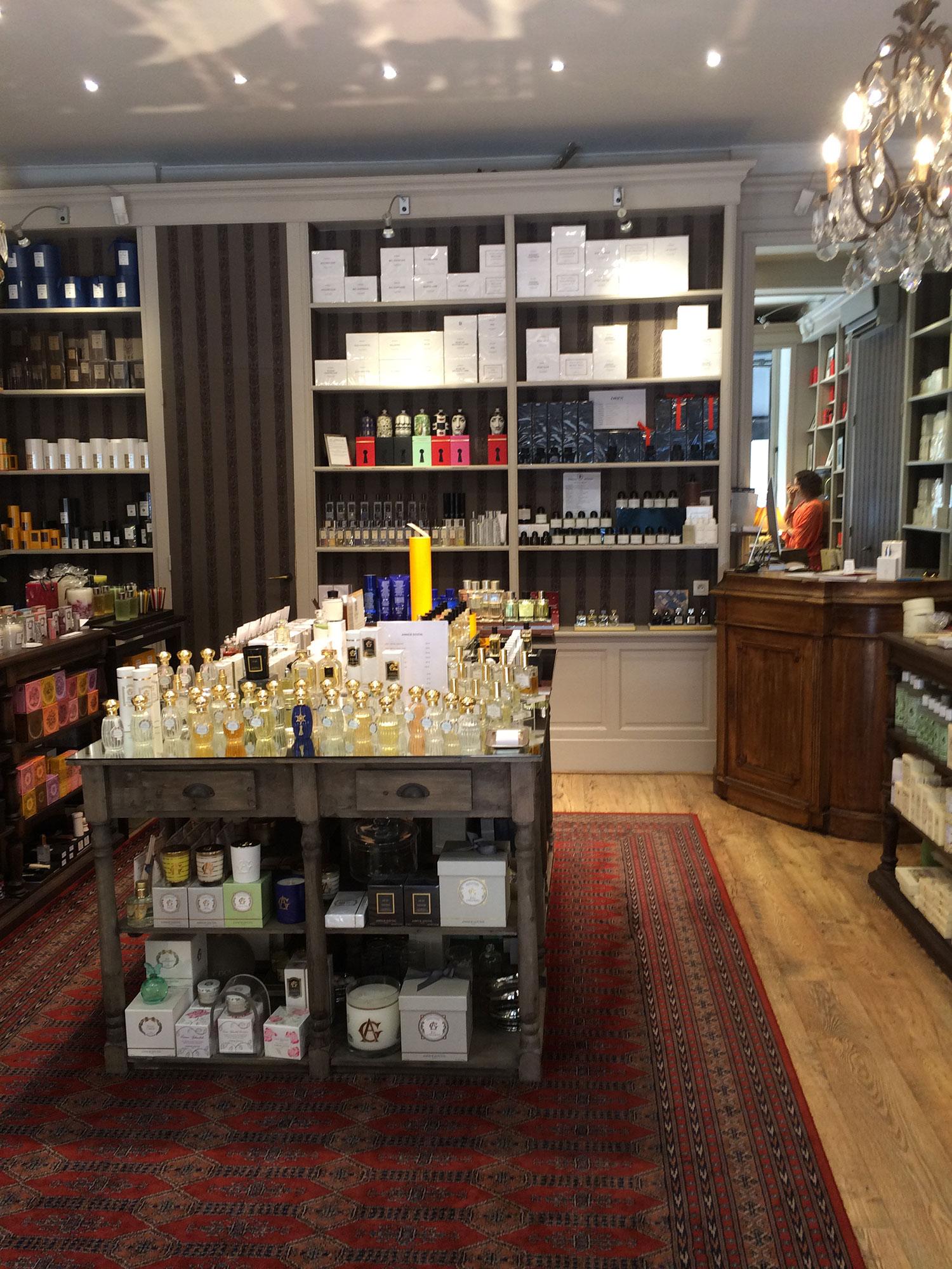 """Isabelle Gallet (parfumerie Santa Rosa, à Toulouse) : """"Ma boutique est éclectique, chic, fantastique, unique et authentique !"""""""