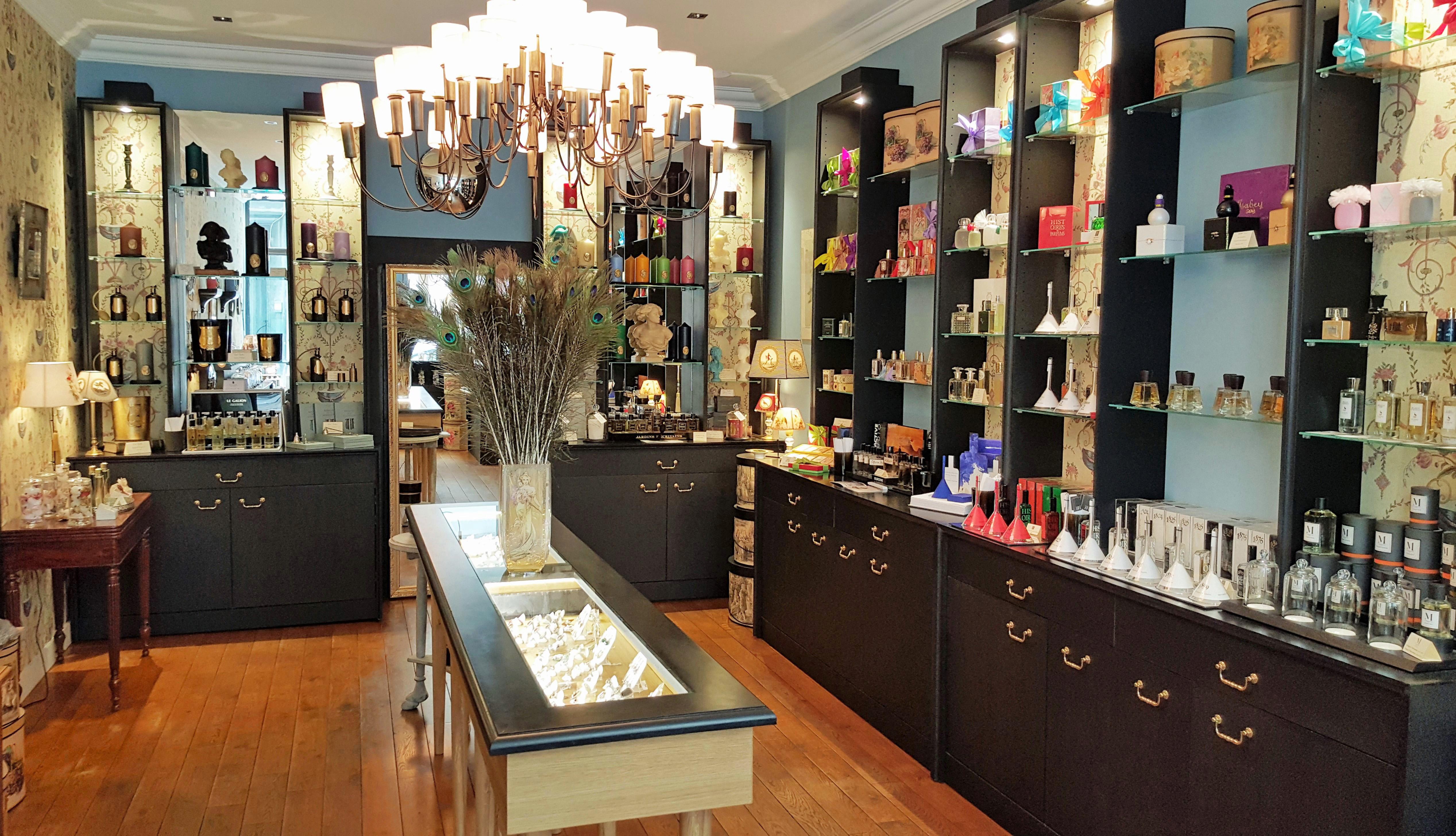Serge Laugier (parfumerie Le Paravent à Lyon) : «J'ai imaginé cette adresse cossue et relaxante dédiée aux voyages olfactifs.»