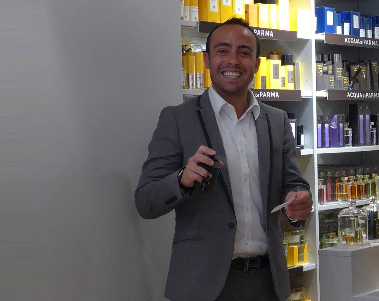 Paul-Henri Franzone (la parfumerie Autrement à Bayonne) : « Notre mission ? Trouver votre propre parfum, qui correspond à votre personnalité, à votre peau, à vos envies… »