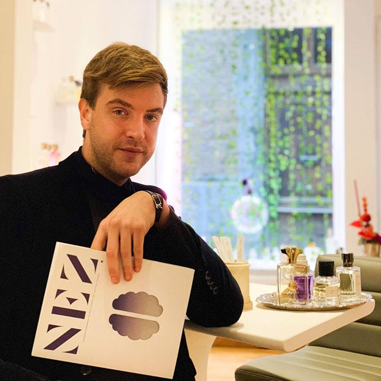 « J'accorde une grande importance à l'histoire et au concept car c'est là que la magie opère chez nos clients » – Quentin Blyau, propriétaire de Liquides Confidentiels à Namur